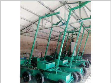 抱磚機廠家為磚廠提供好用的設備